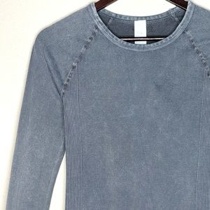 ONZIE Flow Chambray Like Long Sleeves Pullover